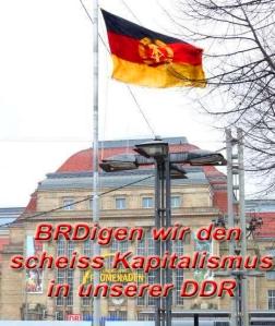 Polizeifahndung 2013 - mutiger Ossi hisst DDR Flagge vor Leipziger Hauptbahnhof