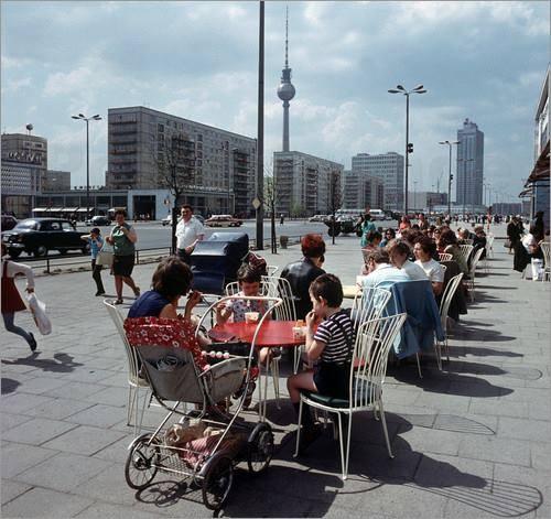 Berlin 1988, Unter den  Linden, Damals Milchbar gegenüber Restaurant Moskau Berlin