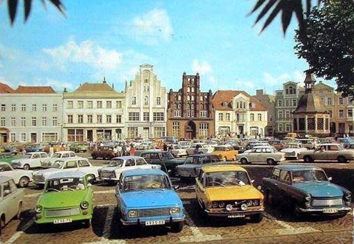 DDR Parkplatz 1989