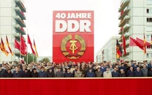 Berlin, Parade zu 40. Jahrestag der DDR-Gründung mit  Ehrengäste